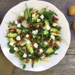 Insalata di avocado, pera e ricotta salata