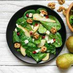Insalata di spinaci con pera e noci