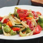 Pasta con verdure croccanti