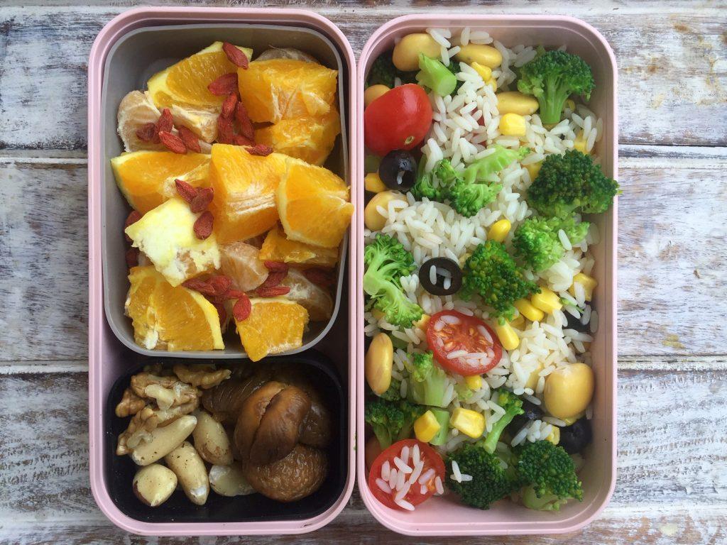 schiscetta: insalata di riso, broccoli e lupini